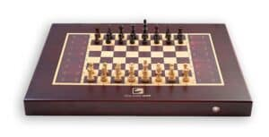 electronic chess board with self moving pieces